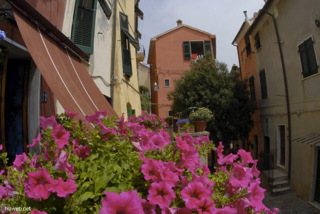 it2006-123__cinque_terre,_italien_2006_portovenere.jpg