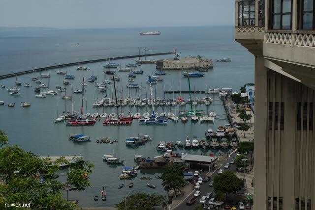 1.012_Salvador_da_Bahia,_Blick_auf__Hafen_.jpg