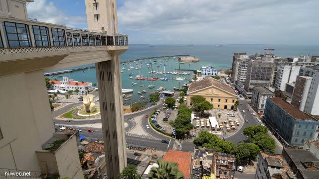 1.014_Salvador_da_Bahia_Jacht-Hafen,_Elevador_Lacerda_.jpg