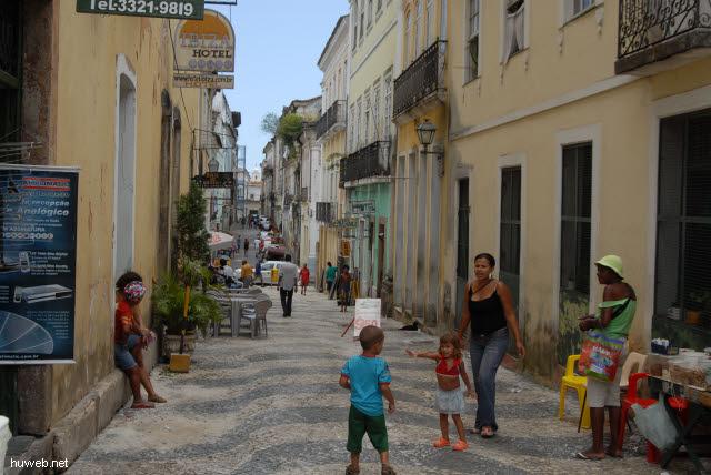 1.022_Seitengasse,_Ibiza_Hotel,_Salvador_da_Bahia_Oberstadt_.jpg