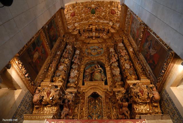 1.031_Catedral_Basilica_1672,_Seitenaltar,_Salvador_da_Bahia_Oberstadt_.jpg