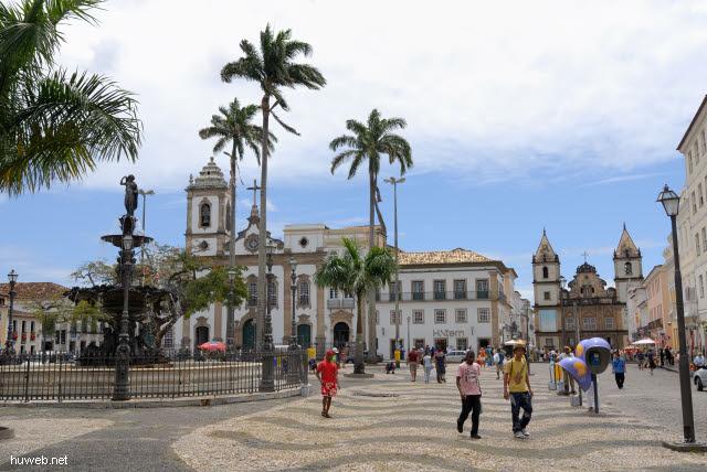 1.045_Igreja_de_Sao_Domingos_(li),_Igreja_de_Sao_Francisco,_Salvador_da_Bahia_Oberstadt_.jpg