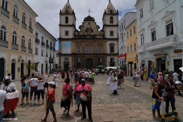 1.047_Igreja_de_Sao_Francisco,_1798,_Salvador_da_Bahia_Oberstadt_.jpg