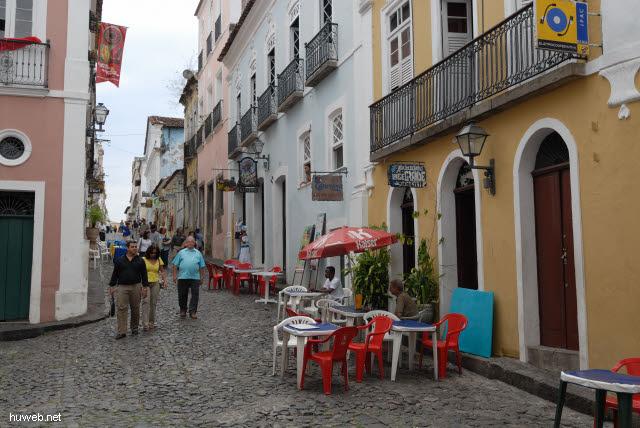 1.080_Salvador_da_Bahia,_Kreuzung_und_Rastplatz_.jpg