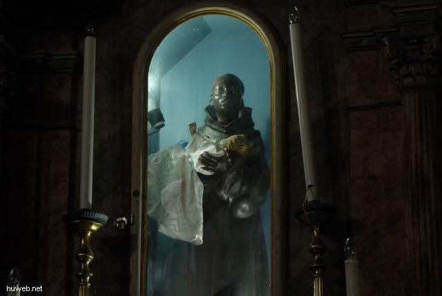 1.089_Nossa_Senhora_do_Rosario_dos_Pretos_(Sklavenkirche),_18.Jh.,_Salvador_da_Bahia_.jpg