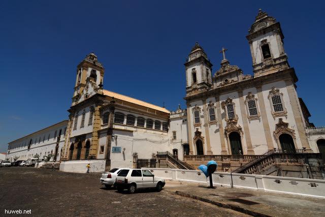 1.093_Karmeliter_Kloster-_u._Ordenskirche,_Salvador_da_Bahia_.jpg