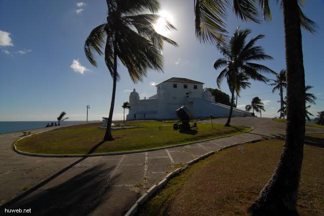 1.105_Festung_Santa_Maria_b,_17.Jht.,_Salvador_da_Bahia_.jpg