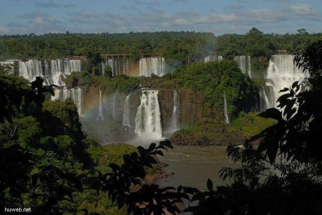 1.120_Iguacu_Nationalpark_Brasilien_2_.jpg