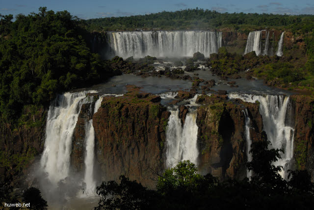 1.121_Iguacu_Nationalpark_Brasilien_b_.jpg