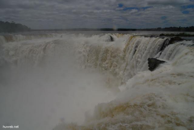 1.150_Iguacu_Nationalpark_Argentinien,_Teufelsschlucht_.jpg