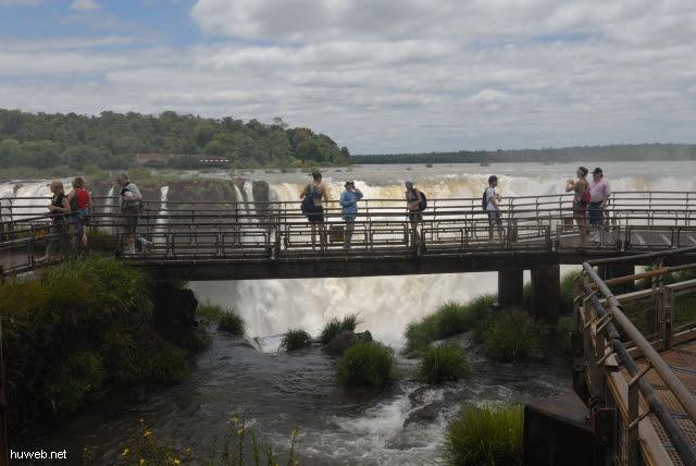 1.153_Iguacu_Nationalpark_Argentinien,_Teufelsschlucht,_Elfi_.jpg