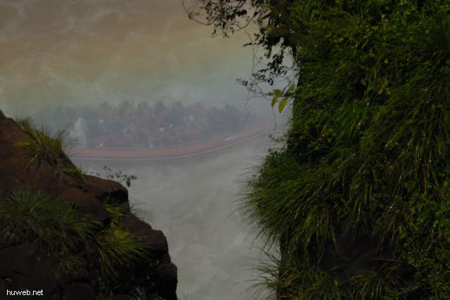 1.171_Iguacu_Nationalpark_Argentinien,_Schlauchboot_.jpg