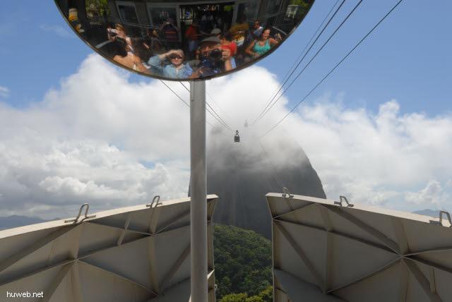 1.186_Zuckerhut_im_Nebel,__Rio_de_Janeiro_.jpg