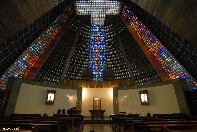 1.212_Nova_Catedral_80m_hoch,_1976,_Kapelle,_Rio_de_Janeiro_.jpg