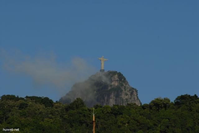 1.233_Christus_Statue_in_Rio_.jpg