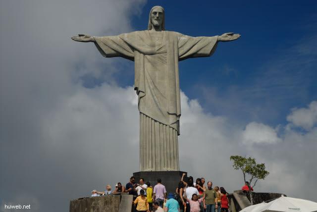 1.242_Christus_Statue_in_Rio_.jpg