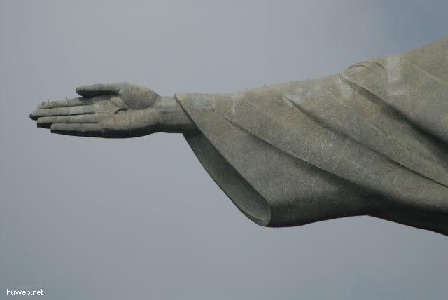 1.249_Christus_Statue_in_Rio_.jpg