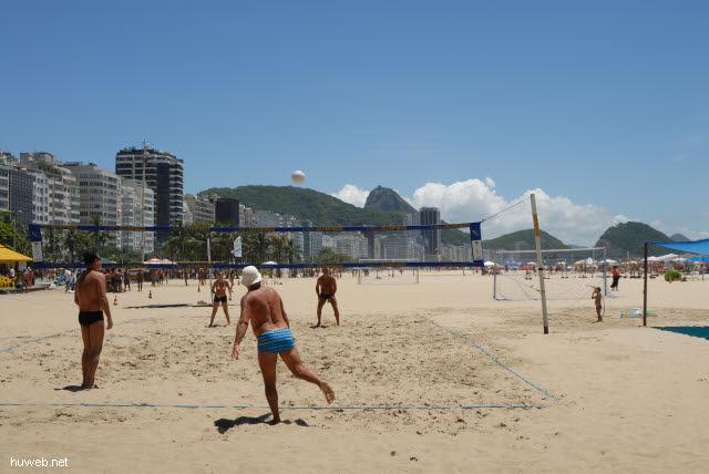 1.265_Copacabana,_Ballspiel_.jpg