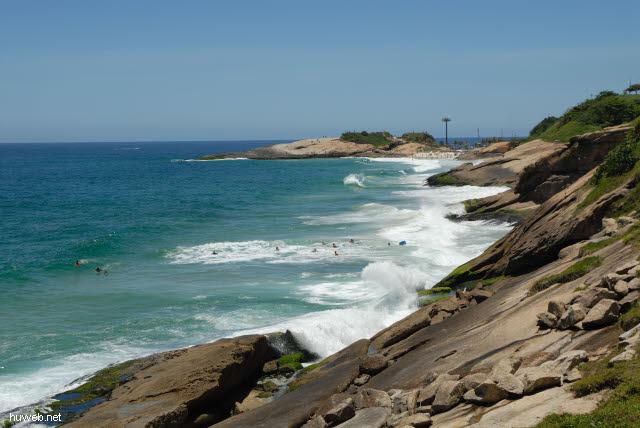1.269_Teufelsstrand_(Praia_do_Diabo),_Rio_.jpg