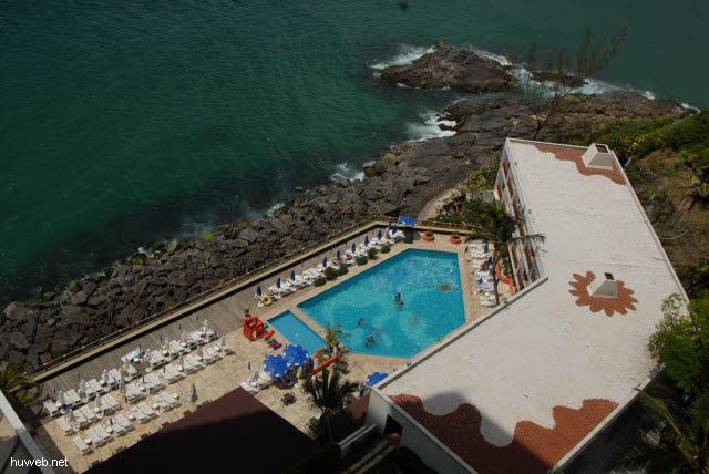 1.334_Pool_im_Hotel_Pestana_de_Bahia,_Salvador_.jpg