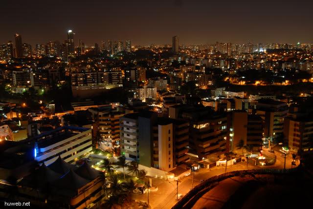 1.345_Salvador_de_Bahia_bei_Nacht_.jpg