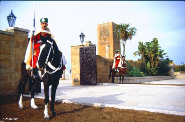 aa30_Hassan-Turm___Marokko_27.12.85-5.1.86.jpg