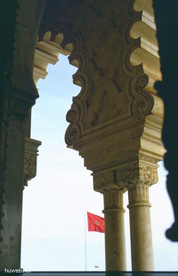 aa36_mausoleum_mohammed__v.___(_=_v_a_t_e_r_vom_reg.koenig_hassan__ii.)__marokko_27.12.85-5.1.86.jpg