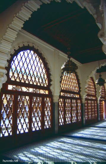 aa38_mausoleum_mohammed__v.___(_=_v_a_t_e_r_vom_reg.koenig_hassan__ii.)__marokko_27.12.85-5.1.86.jpg