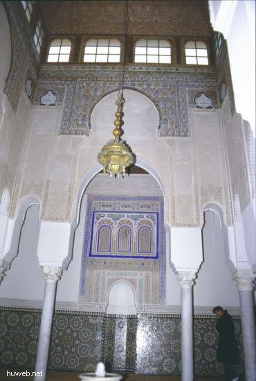 ab21b_Meknes,_Mihrab_=_Gebetsnische_Marokko_27.12.85-5.1.86.jpg