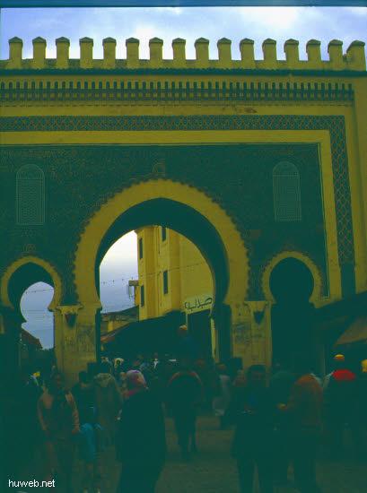 ac26_BAB__BUJELLUD_Richtung_Westen_(=blaues__Tor)_Marokko_27.12.85-5.1.86.jpg