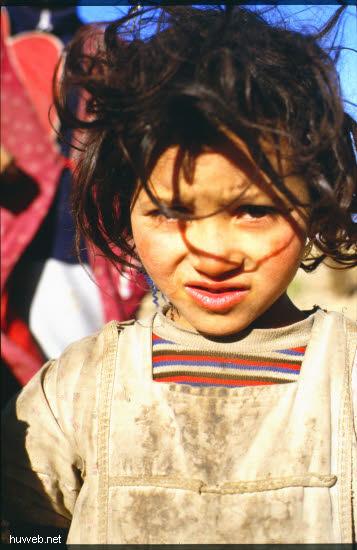 ad05_Fahrt__nach__Er__Rachidia,_Beduinen_Kinder_Marokko_27.12.85-5.1.86.jpg