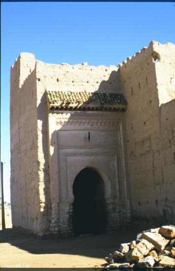 ad18_baufaellige_kasbah_(burg)_aus_der_zeit_moula_ismael_17-18_jhdt_marokko_27.12.85-5.1.86.jpg